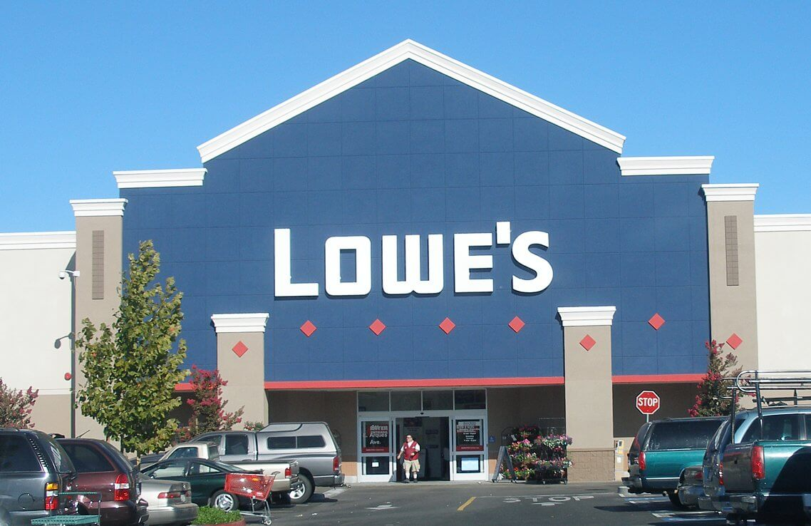 Picture of a lowes store