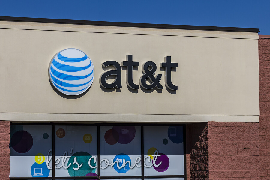 Picture of an AT&T store that may hire felons.