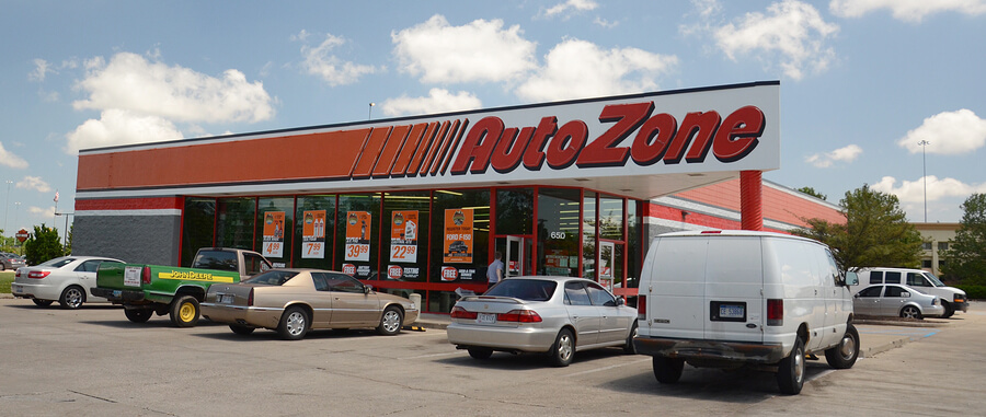 Picture of an autozone store that may hire felons.